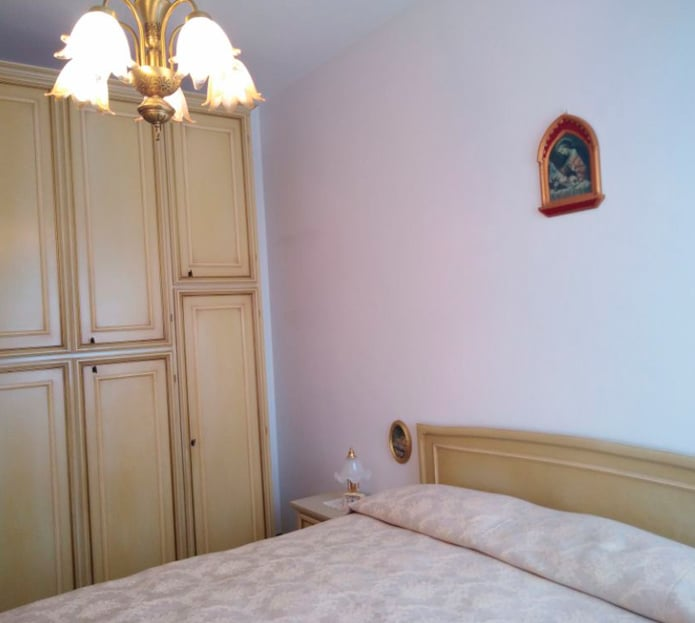 Camera dell'appartamento in Via della Sirena